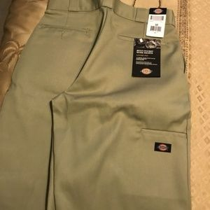 Dickies Multi-Pocket Work Shorts Loose Fit Size 32